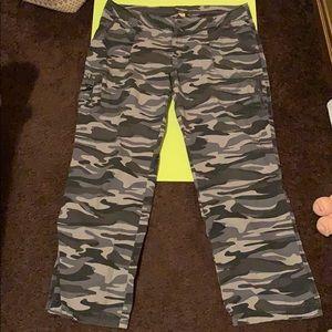 Pants - (Women's) Camo Pants size 18